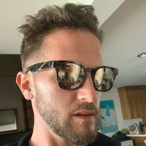 Oliver Peoples sunglasses unisex